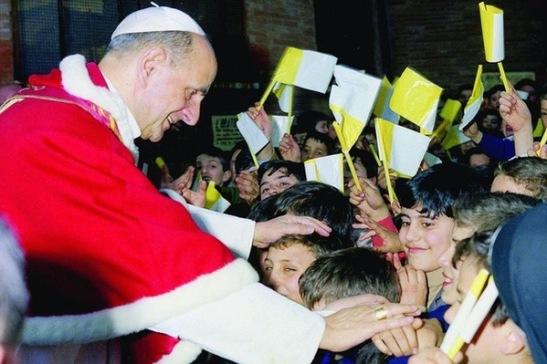 Paolo VI - Le 31 mars 1968, visite pastorale du pape Paul VI à l'église San Leone Magno à Rome.