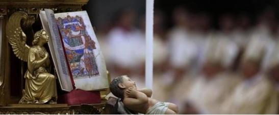 Vaticano, Papa Francesco celebra la sua prima messa di Natale in San Pietro