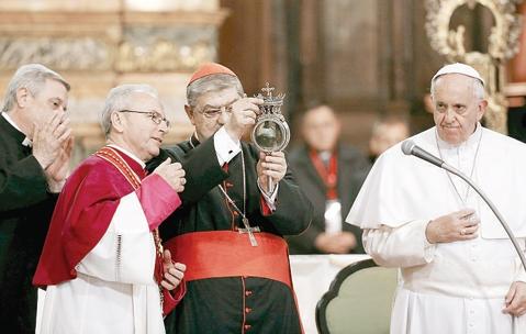 il papa con san_gennaro