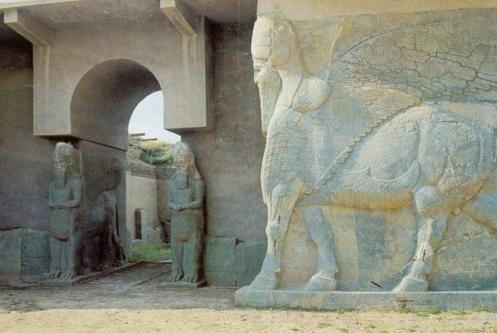 Iraq, l'Is rade al suolo l'antica Nimrud