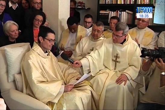 In fin di vita ordinato sacerdote, benedice il Papa.