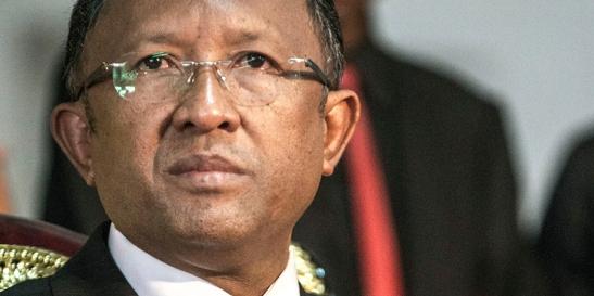 Parlamento de Madagascar vota destitución del presidente