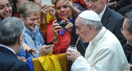 I gesti e lo stile di papa Francesco