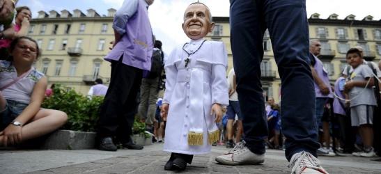 pape-francois-marionnette