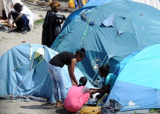 01Campamento de inmigrantes en el paso de Calais, 'mirando a Inglaterra'