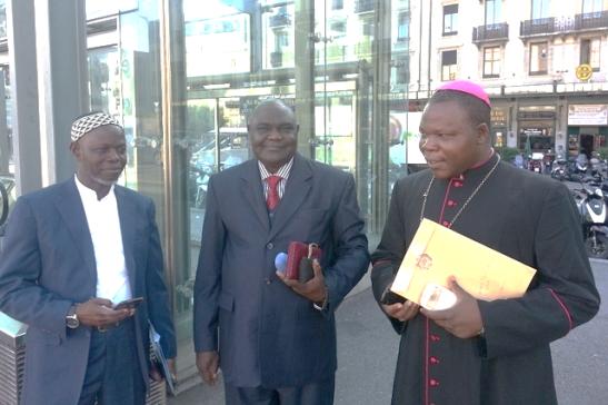De gauche à droite, l'imam Oumar Kobin Layama, le pasteur Nicolas Guérékoyaméné-Gbangou et Mgr Dieudonné Nzapalainga