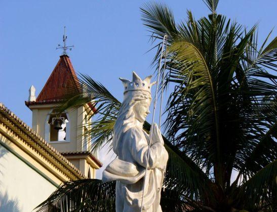 Estátua de Nossa Senhora da Conceição na Igreja de Balide, Timor  - igreja_balide_dili
