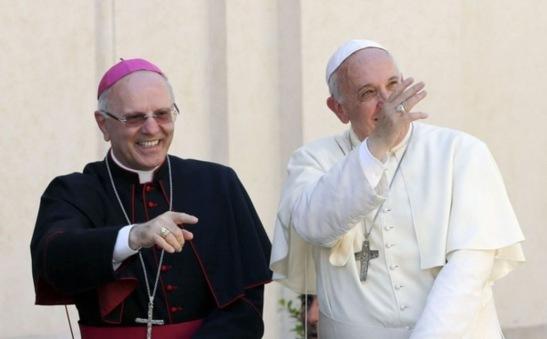 Le-secretaire-general-de-l-episcopat-italien-s-en-prend-violemment-a-la-classe-politique_article_popin