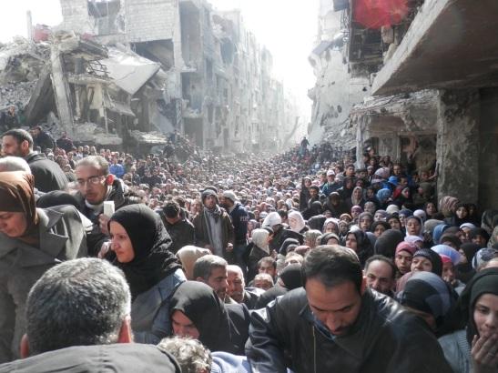 refugiats_palestins_cues_a_Yarmouk_(1)