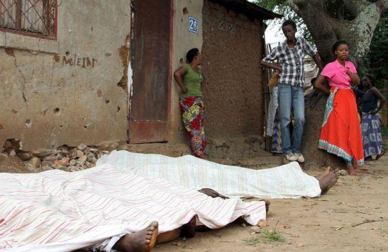 Des corps de personnes tuées dans le quartier de Cibitoke, à Bujumbura