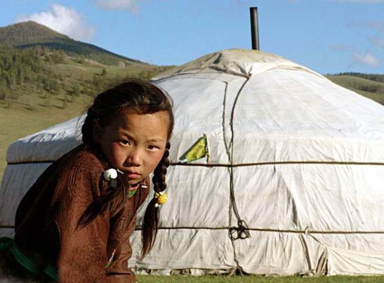 Mongolia, nomadi abitanti della steppa e del deserto legati ancora a tradizioni millenarie