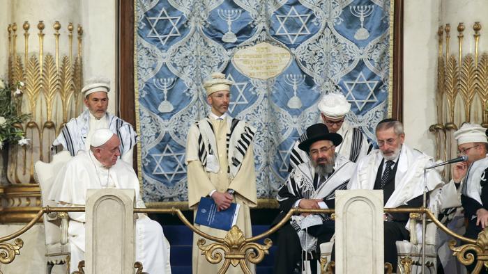 Il Pontefice nella sinagoga di Roma
