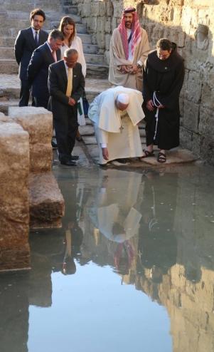 Papa Francesco Aa sito del Battesimo di Gesù