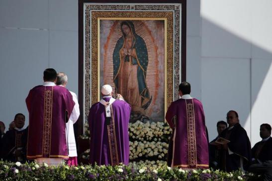 Papa Francisco durante la multitudinaria misa en Ecatepec