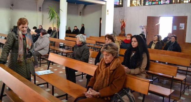 las iglesias son tan difíciles de llenar porque allí uno se aburre