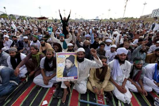 Islamic extremists end their protest with Asia Bibi's fate hanging in the balance