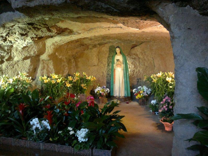La Madonna delle Tre Fontane