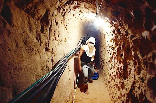 Tunnel e bunker, guerra sotterranea dei jihadisti1