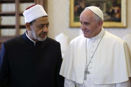 incontro in Vaticano tra Papa Francesco e il Grande Imam di Al-Azhar, Ahmad Al-Tayyib,.jpg