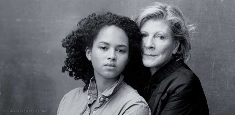 La collezionista e mecenate nonchè presidente emerita del Moma Agnes Gund fotografata da Annie Leibovitz per il calendario Pirelli. Un nuovo modo per narrare il femminile.