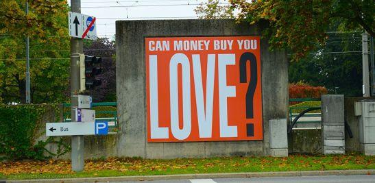 Barbara Kruger, I soldi possono comprare l'amore