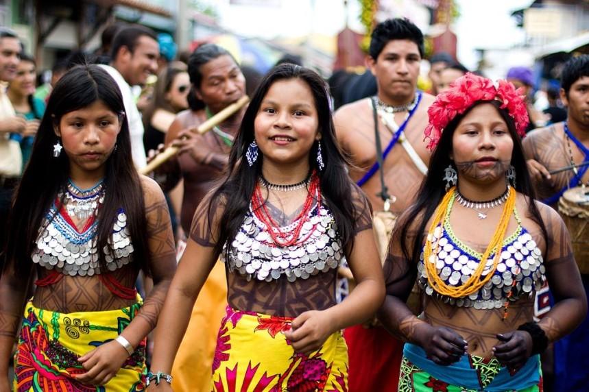 Mujeres de la etnia Emberá