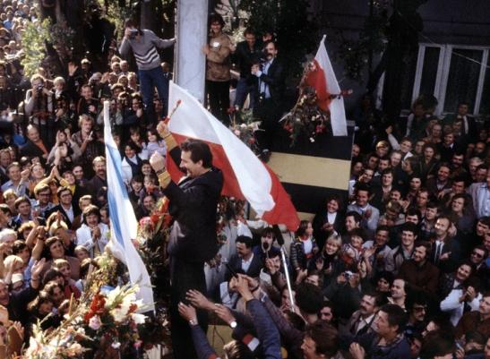 2.1 La fede nella rivoluzione.jpg