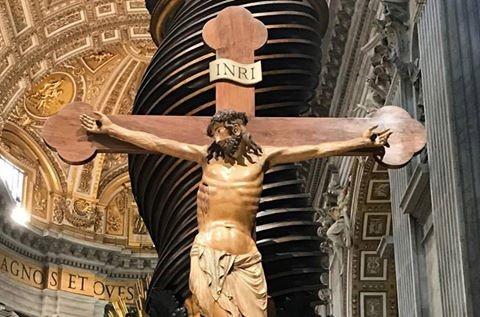 crocifisso-ligneo-della-basilica-vaticana-xiv-secolo