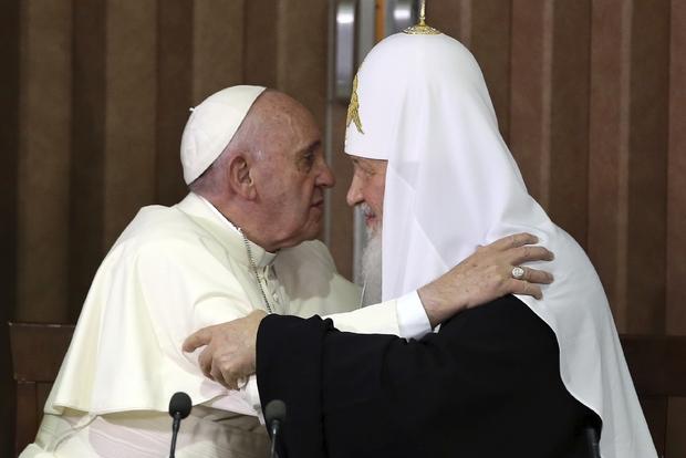 papa Francesco e il patriarca Kirill.jpg