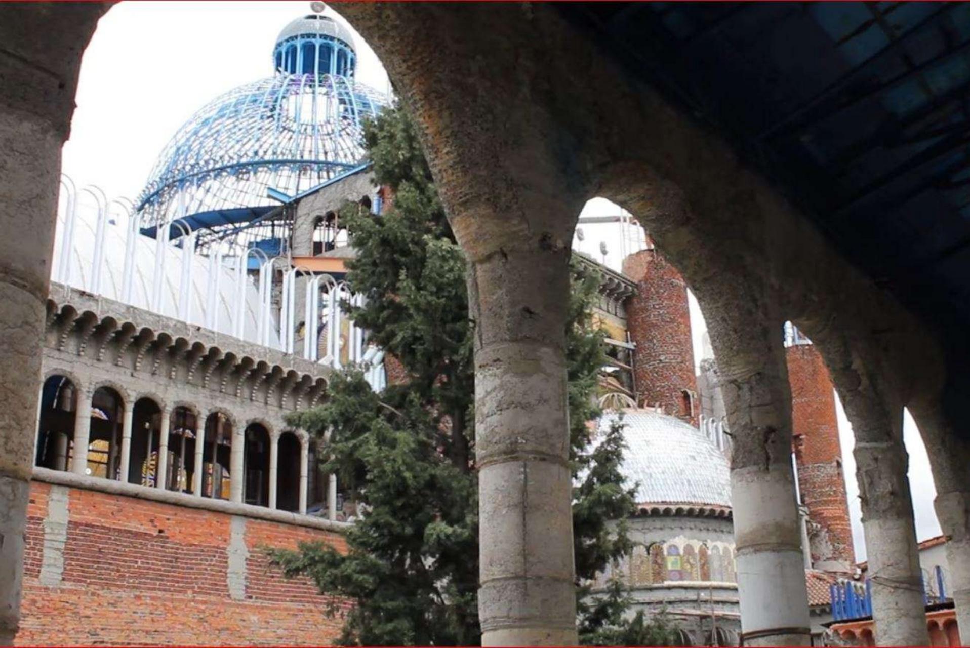 cattedrale della fede5.jpg