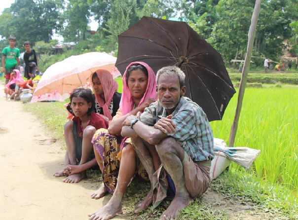 Quasi 300mila i Rohingya fuggiti in Bangladesh.jpg