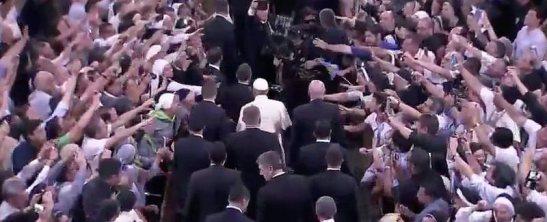 miles-de-religiosos