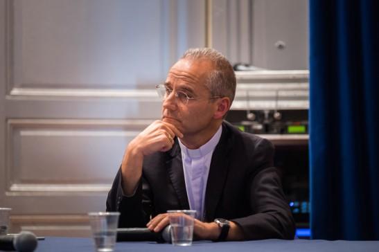 2-octobre-2015-Mgr-Jean-Paul-VESCO-A-vA-Alger-A-occasion-Etats-GA-nA-Christianisme-organisA-hebdomadaire-Vie-Strasbourg-67-France_0_729_486