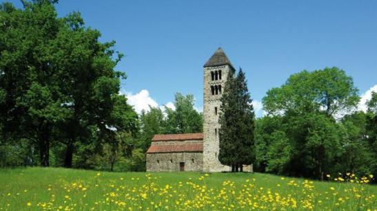 la pieve romanica di San Secondo, nella campagna biellese1