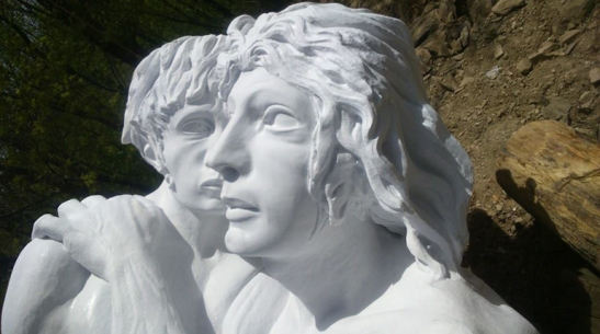 Volti-statua.jpg
