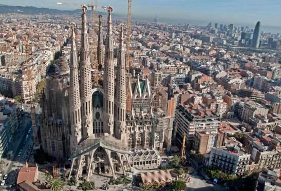 barcelona sagrada familia.jpg