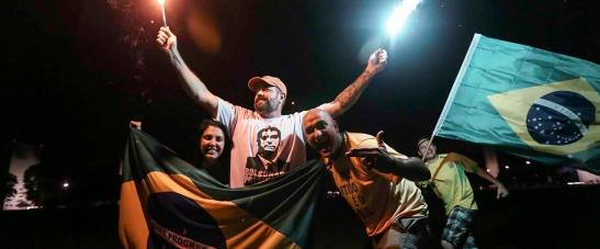 29_10_bolsonaro_eleitores_comemoracao_vitoria_foto_fabio_rodrigues_pozzebom_agencia_brasil