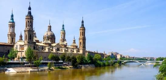 Zaragoza_-_Basílica_del_Pilar_y_río_Ebro