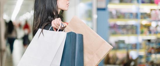 12_11_consumismo_compras_foto_freepik