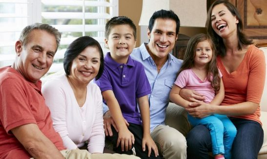 familia-latina-800x478