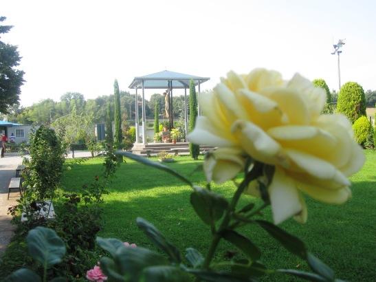 Il santuario di Santa Maria Rosa Mistica di Fontanelle1.jpg