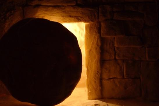 Pasqua è la festa della rimozione delle pietre.