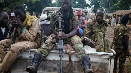 Soldados-Bakouma-Republica-Centroafricana_2115698440_13542038_660x371