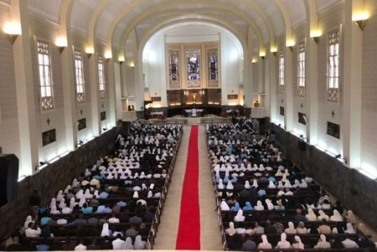L'incontro in cattedrale con i vescovi, il clero, i religiosi e le religiose (pool Aigav)