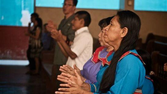 Evangelicos-indigenas-brasilenos_2166693344_13991558_660x371