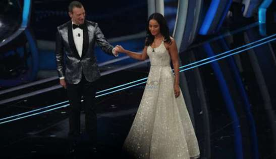 Rula Jebreal sul palco dell'Ariston