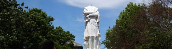 statua-decapitata-protesta